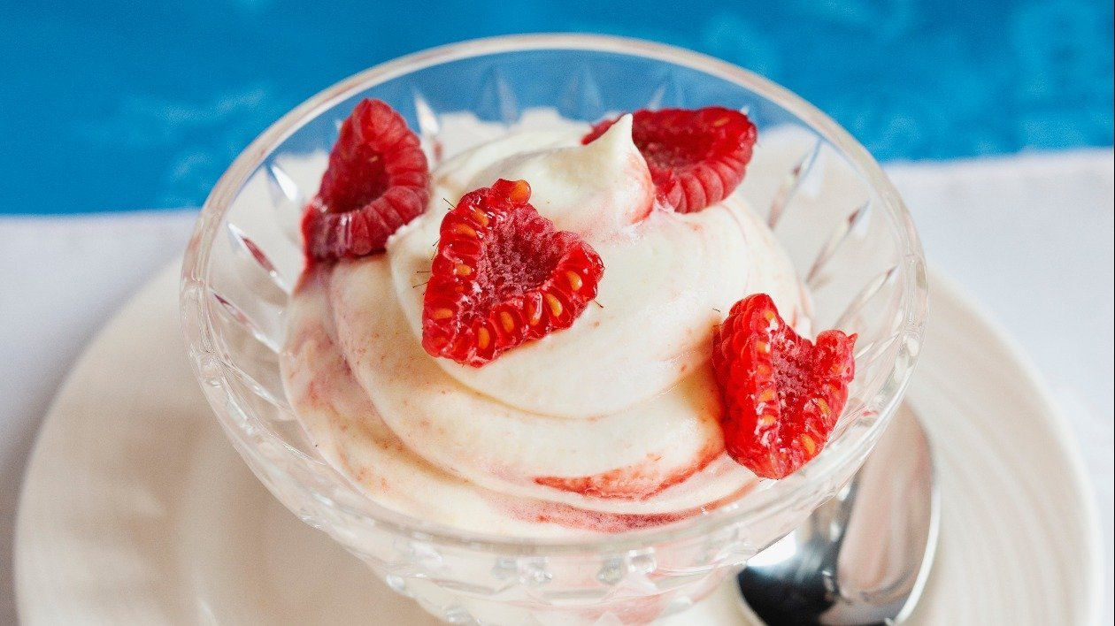 Limoncello and raspberry Mousse – recipe