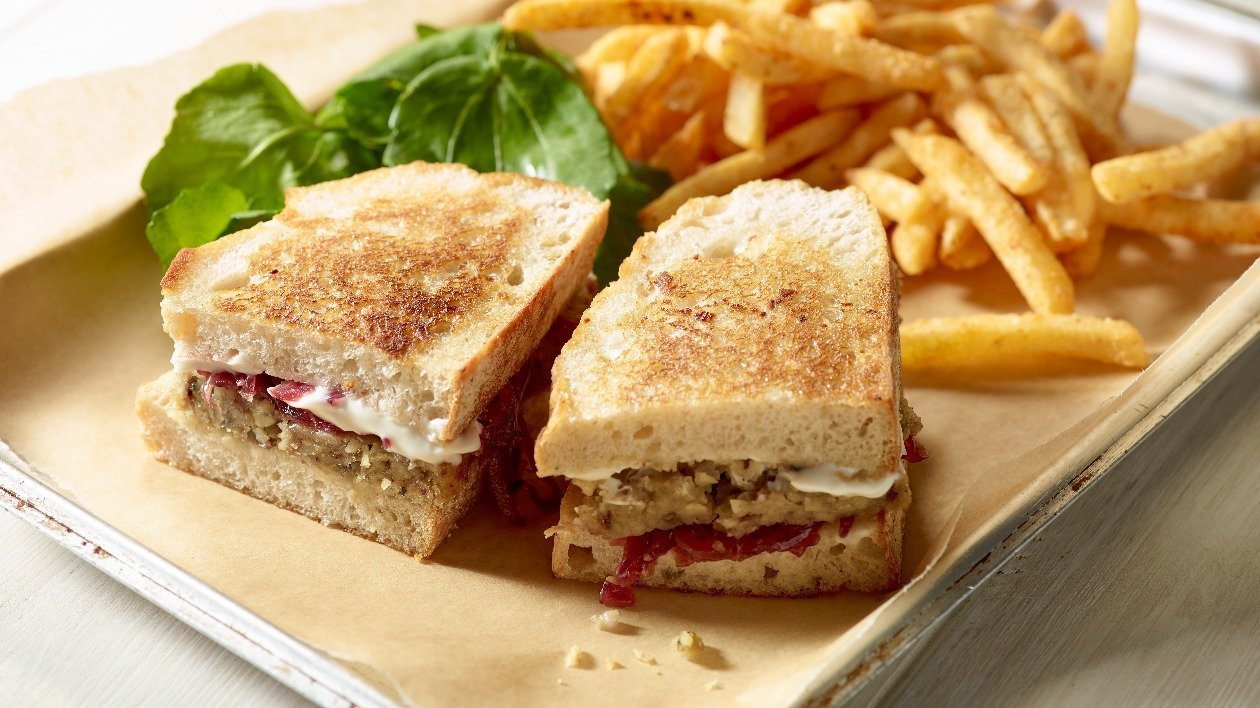 HELLMANN'S Vegan Nut Roast Toastie – recipe