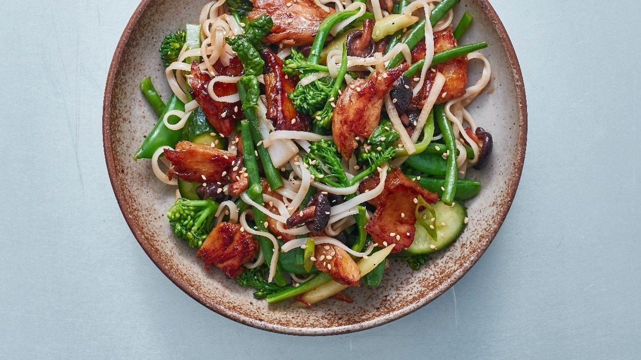 The Vegetarian Butcher NoChicken Teriyaki Salad – recipe